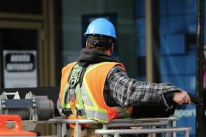 作業用ヘルメットの選び方!工事現場で使えるおすすめのヘルメット