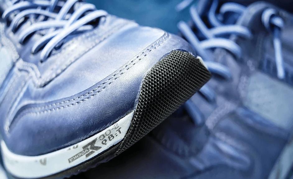 安全靴 普通の靴