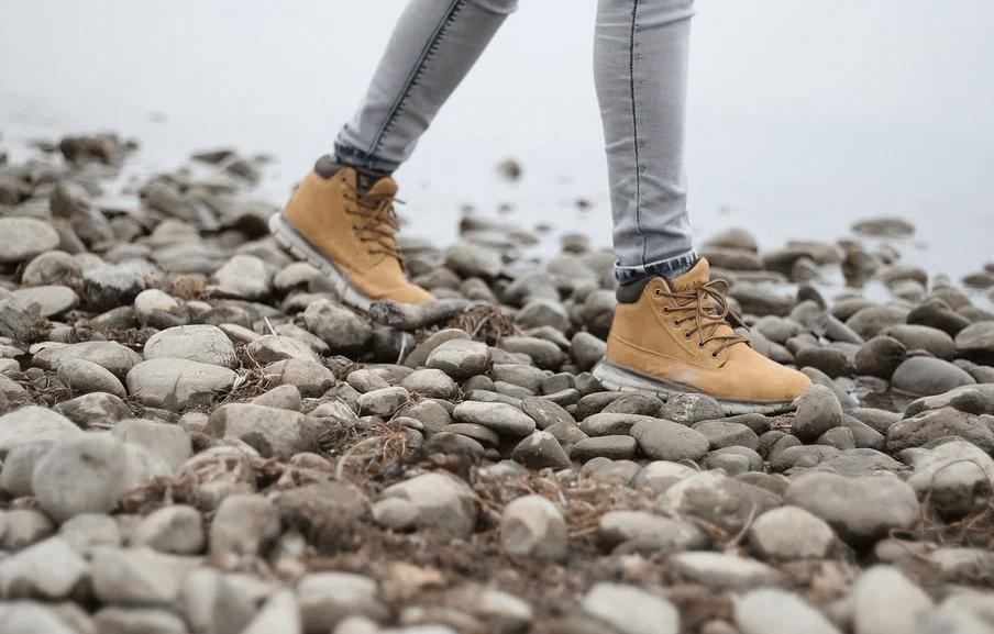 安全靴はプライベートでも履ける?防災用に1足持っておくべき!